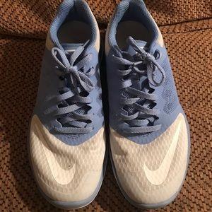 Women's Nike Tennis Shoes size 7